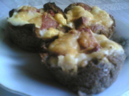 muffin kalıbında kahvaltılık ekmekler