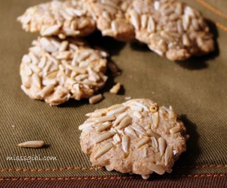 ay çekirdekli kurabiye