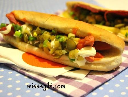 sosisli sandvic
