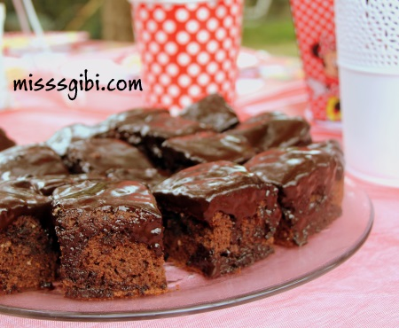 çikolata soslu kek