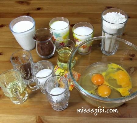Kakaolu ıslak kek malzemeleri nelerdir