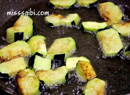 patlıcan musakka ayrıntılı tarifi