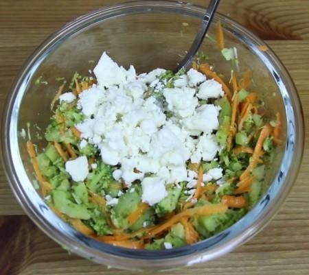 peynirli brokoli salatası